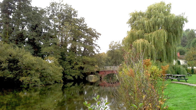 Attraversare i Woodfords nel Wiltshire