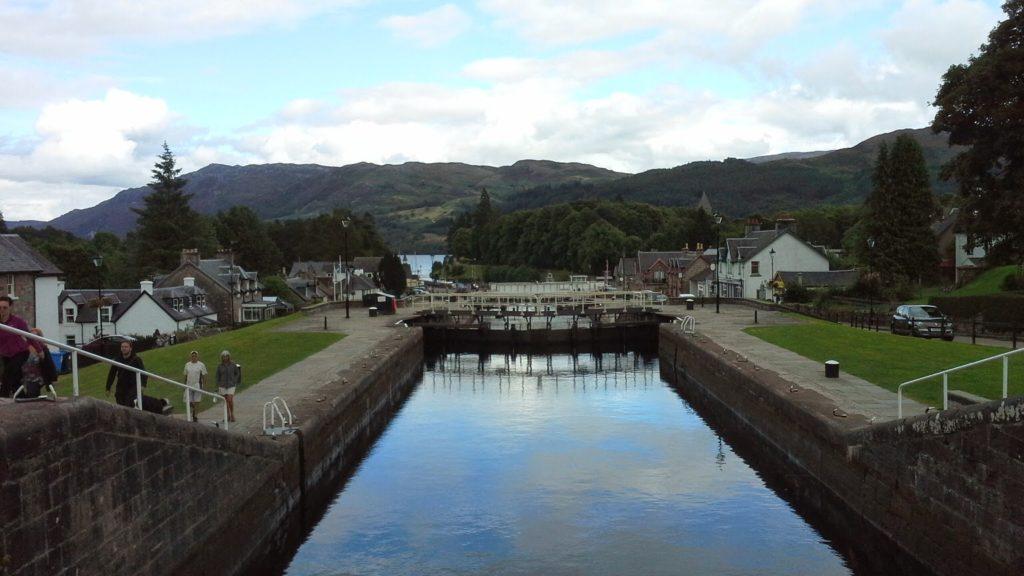 Viaggio sul Caledonian Canal in Scozia