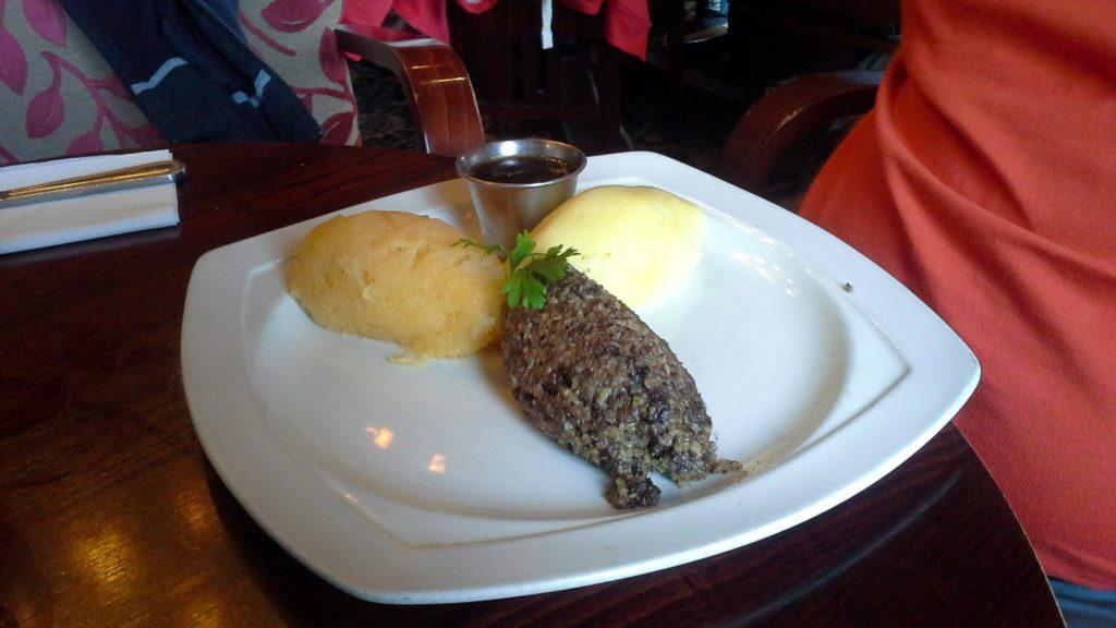 Mangiare l'Haggis in Scozia
