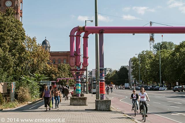 Cosa sono i tubi rosa di Berlino