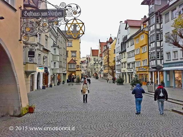 Fare shopping in Maximilianstrasse a Lindau