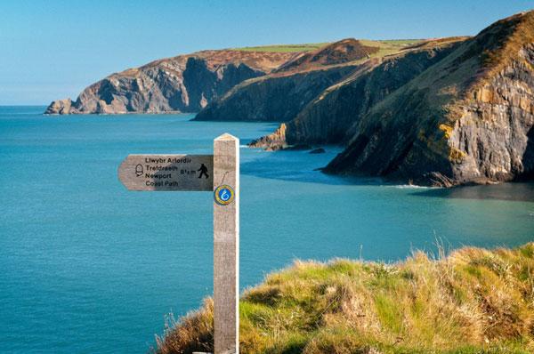 Percorrere la costa del Galles a piedi