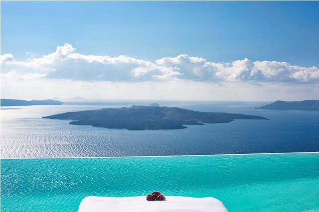 Infinity Pool in Grecia