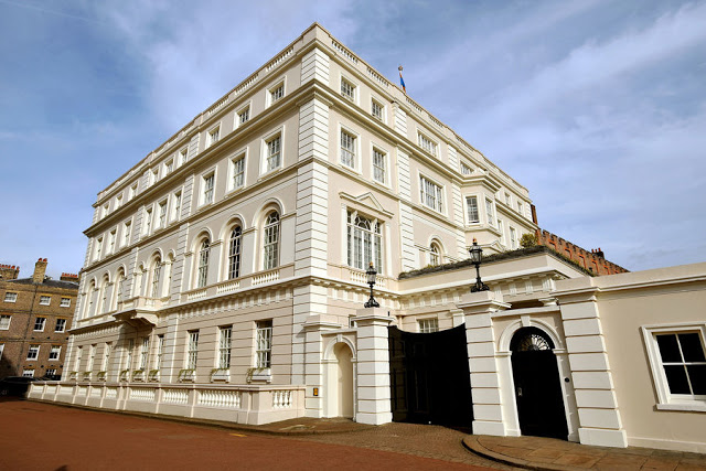 Location di The Crown: Clarence House