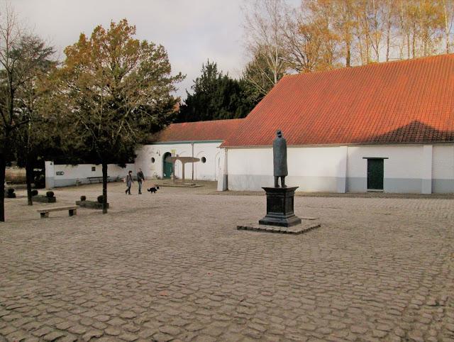 Il cortine della Fondation Folon in Belgio